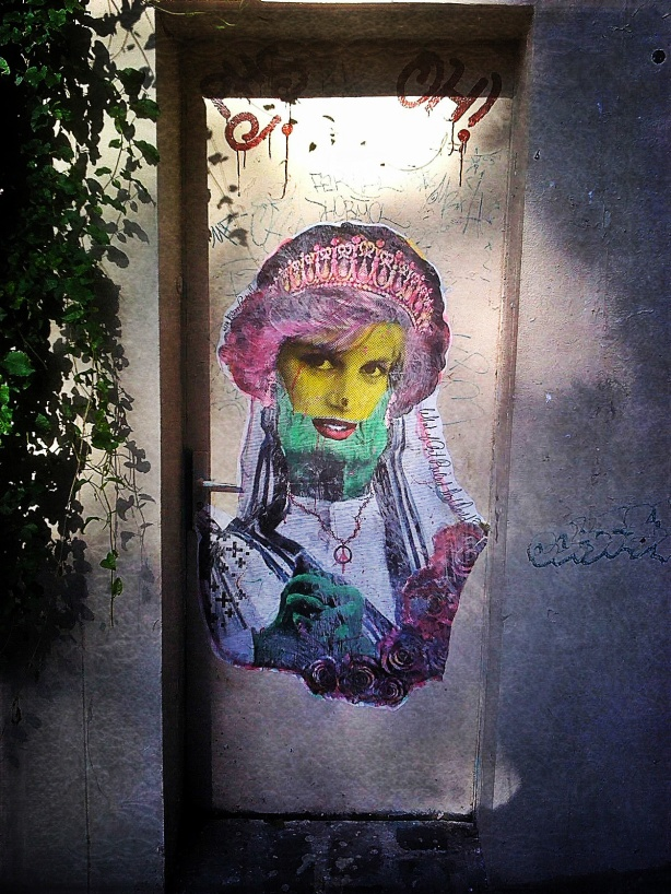 Lady Die, Princess of Wails (Paris Zombie Street Art)