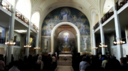 Used 2013-04-28 Chapel of the Miraculous Medal - Chapelle de la Médaille Miraculeuse (Paris Paul Prescott) C360_2013-04-18-15-31-33-900_orga Sunday Used