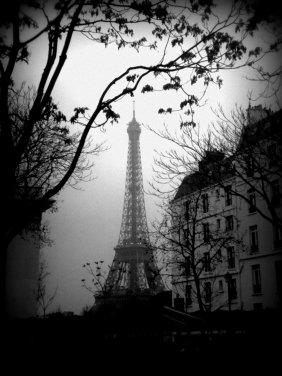 Used 2014-01-27 Eiffel Tower mist (Paris Paul Prescott) 2012-01-033 Sunday Used