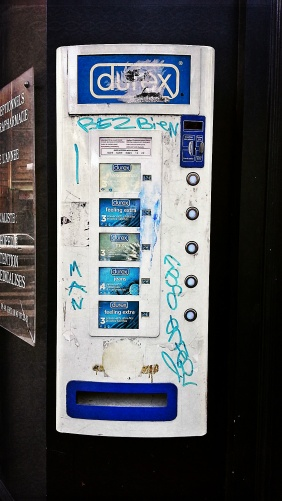 Used 2014-02-18 Condom Machine (Paris Paul Prescott) C360_2013-10-27-13-56-05-423_orgcc Used