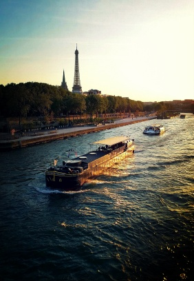 Used 2014-04-28 Eiffel Tower Barge sunset (Paris Paul) IMG_20140415_201235kf Used